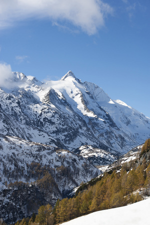 mountaintops: Austria, Carinthia, view from Grossglockner High Alpine Road to Grossglockner LANG_EVOIMAGES
