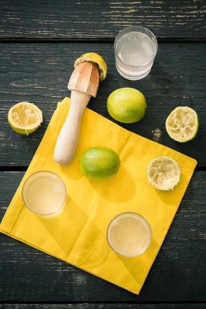seltzer: Preparing of homemade lime lemonade LANG_EVOIMAGES