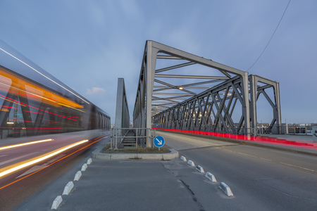 one lane road sign: Germany, Hamburg, road traffic on a bridge in the Hafencity LANG_EVOIMAGES