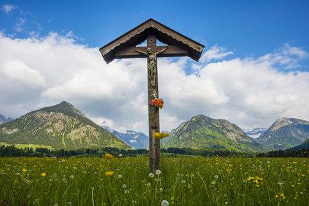 Germany, Bavaria, Allgaeu, Allgaeu Alps, field cross LANG_EVOIMAGES
