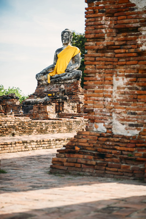 Thailand, Ayutthaya, ancient Buddha statue LANG_EVOIMAGES