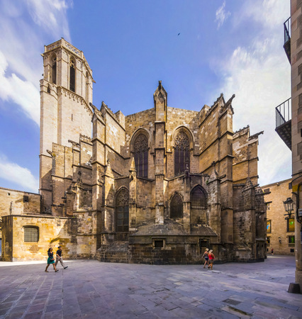 incidental people: Spain, Barcelona, Cathedral of the Holy Cross and Saint Eulalia LANG_EVOIMAGES
