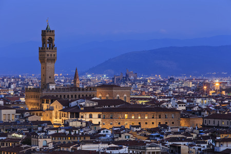 Italy, Tuscany, Florence, Cityscape, View of Cattedrale di Santa Maria del Fiore in the evening LANG_EVOIMAGES