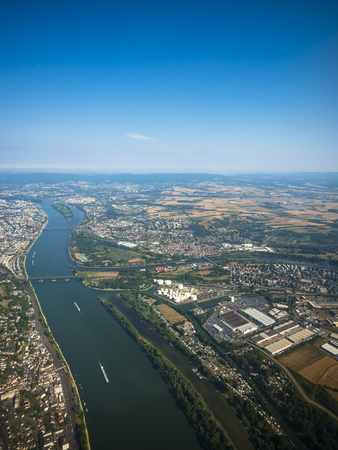 Germany, Mainz, aerial view of cinfluence of River Rhine and Main LANG_EVOIMAGES