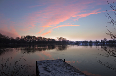 secluded: Germany, Bavaria, Ingolstadt, sunrise above quarry pond LANG_EVOIMAGES