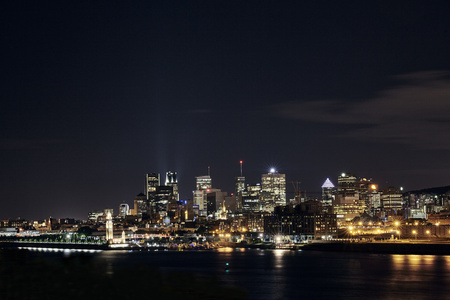 Canada, Montreal, view to the city by night LANG_EVOIMAGES