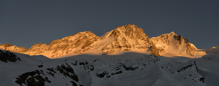 snowcovered: Italy, Gran Paradiso, mountainscape LANG_EVOIMAGES
