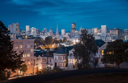lighted: USA, San Francisco at night LANG_EVOIMAGES