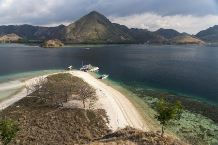 Indonesia, Nusa Tenggara, beach of Kelor Island on the edge of Komodo National Park LANG_EVOIMAGES