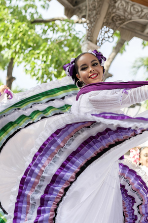 traje mexicano: Mexico, Jalisco, Xiutla dancer, folkloristic Mexican dancer