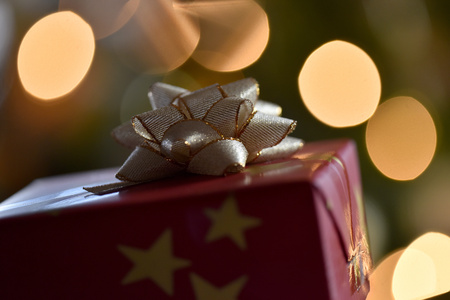 lighted: Christmas present LANG_EVOIMAGES