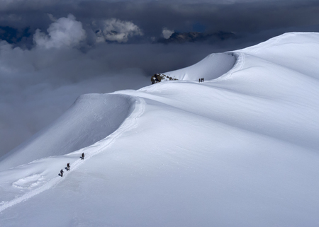 France, Chamonix, Mont Blanc Range, mountaineers at Dome Du Gouter LANG_EVOIMAGES