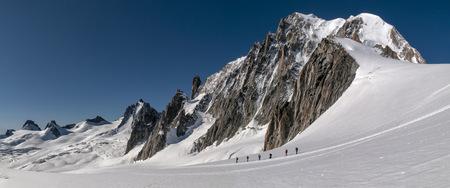 incidental people: France, Chamonix, Mont Blanc range, mountaineers at Mont Blanc du Tacul LANG_EVOIMAGES