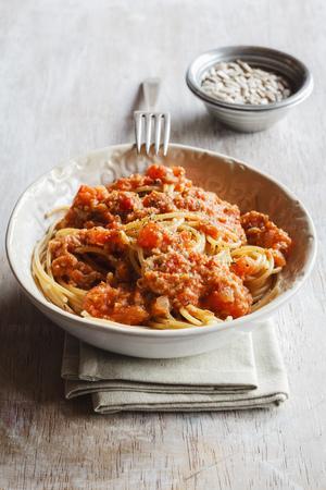 Spelt whole grain spaghetti with vegan Bolognese made of green spelt and sunflower seed LANG_EVOIMAGES