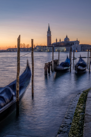 stakes: Italy, Venice, view to San Giorgio Maggiore with gondolas in the foreground at morning twilight