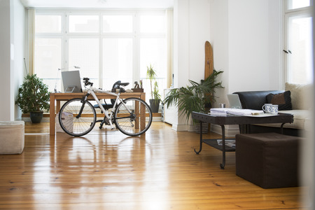 economic cycle: Interior of a modern informal office LANG_EVOIMAGES