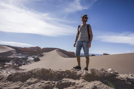 Chile, San Pedro de Atacama, Valley of the Moon, hiker in the desert