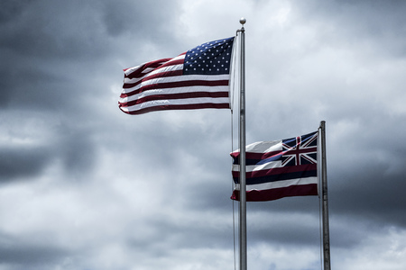flagstaff: Flags of the USA and State Hawaii LANG_EVOIMAGES