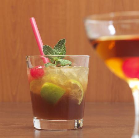 citrons: Cocktail, Mai Tai, Manhattan