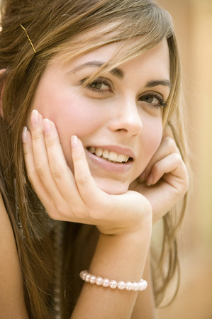 Young Woman Looking To Camera, Portrait LANG_EVOIMAGES