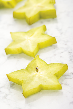 vitamine: Sliced Star Fruit LANG_EVOIMAGES