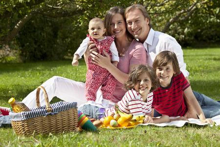 Germany,Bavaria,Family Having Picnic,Portrait LANG_EVOIMAGES