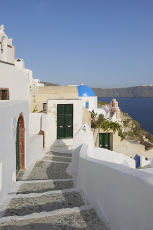 closed community: Greece,View Of Traditionally Greek Town Of Oia At Santorini LANG_EVOIMAGES