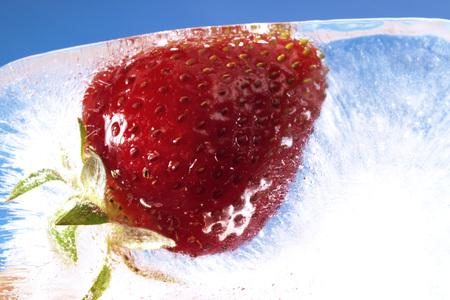 sweetly: Frozen Strawberry