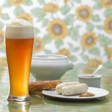 Bavarian Veal Sausage And Wheat Beer LANG_EVOIMAGES