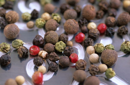 sorts: Pepper Corns, Different Varieties, Elevated View LANG_EVOIMAGES