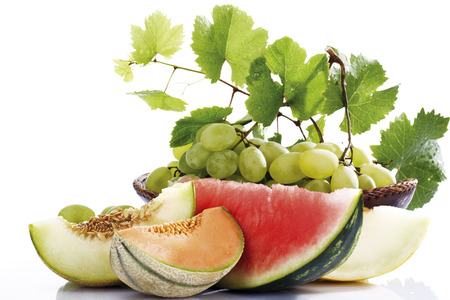 sorts: Various Sliced Melons And Grapes,Close-Up LANG_EVOIMAGES
