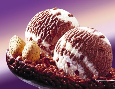 mauve: Mandel-Schoko-Eis