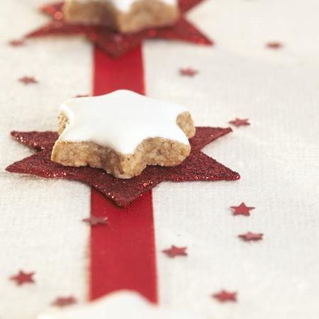 sweetly: Christmas Cookies,Cinnamon Stars LANG_EVOIMAGES