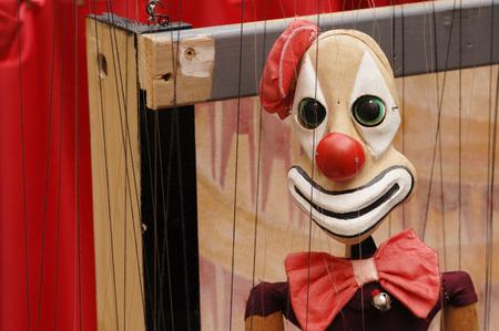 Clown Marionette, Close-Up
