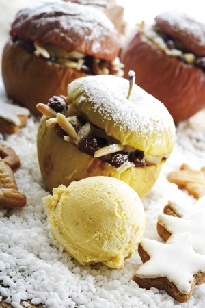 Baked Apples With Vanilla Ice Cream
