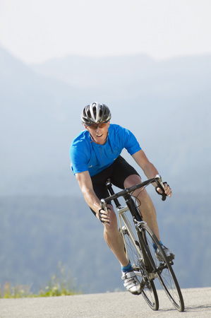 Germany, Bavaria, Near Walchensee, Male Bicycle Racer LANG_EVOIMAGES