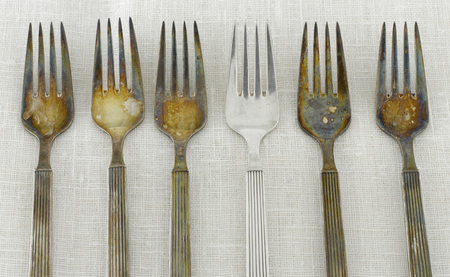 cruddy: Tarnished Silver Forks LANG_EVOIMAGES