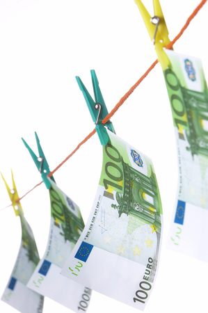 Hundred Euro Notes On Clothesline, Close-Up LANG_EVOIMAGES