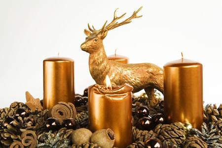 guirnaldas de navidad: Advent Wreath, Candles, Deer Figure