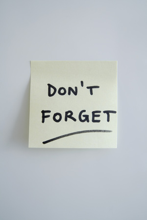 Adhesive Note Saying DonT Forget