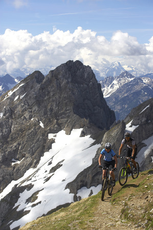 ciclos: Germany,Bavaria,Karwendel,Couple Mountain Biking