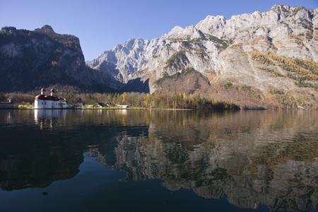 Germany, Bavaria, Lake K�Nigssee, St. Bartholom� Chapel LANG_EVOIMAGES