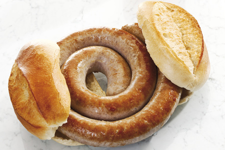 German Bratwurst, Fried Sausage And Bread Roll, Close-Up LANG_EVOIMAGES