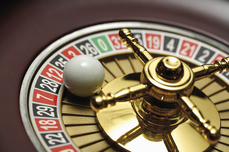 Ball On Roulette Wheel,Close-Up LANG_EVOIMAGES