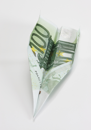 Paper Airplane Made From 100 Euro Note LANG_EVOIMAGES