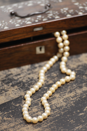 Germany,Pearl Necklet With Jewel Box LANG_EVOIMAGES
