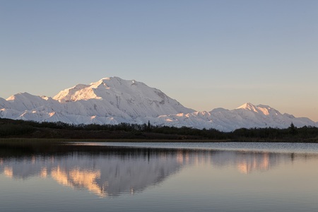 Usa,Alaska,View Of Mount Mckinley And Reflection Of Pond At Denali National Park LANG_EVOIMAGES