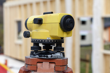 Europe,Germany,Rhineland Palantinate,Theodolite With House Building,Close Up LANG_EVOIMAGES