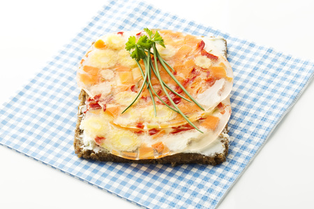 Sandwich With Vegetables In Aspic And Chives,Close Up LANG_EVOIMAGES