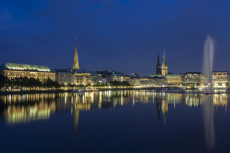 Germany,Hamburg,View of town hall with Binnenalster and fountain